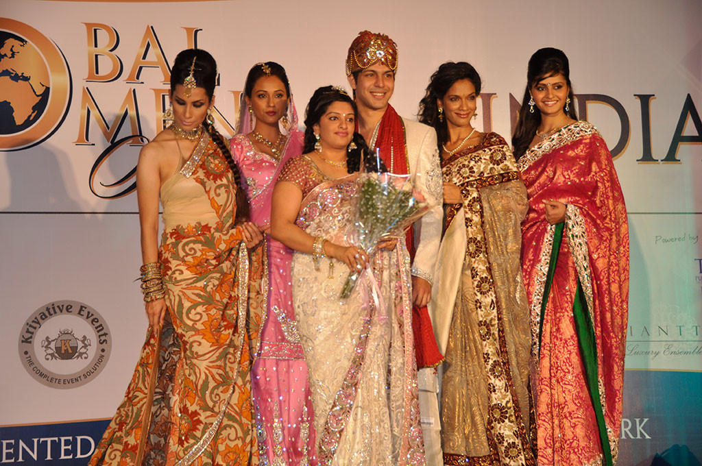 http://paulafellingham.com/wp-content/uploads/2014/11/Fashion-Show-at-Global-Womens-Summit-in-India.jpg