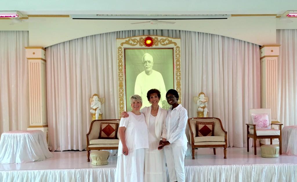 dr-paula-fellingham-sabina-zunguze-and-patti-allen-visit-india-international-womens-day-2016